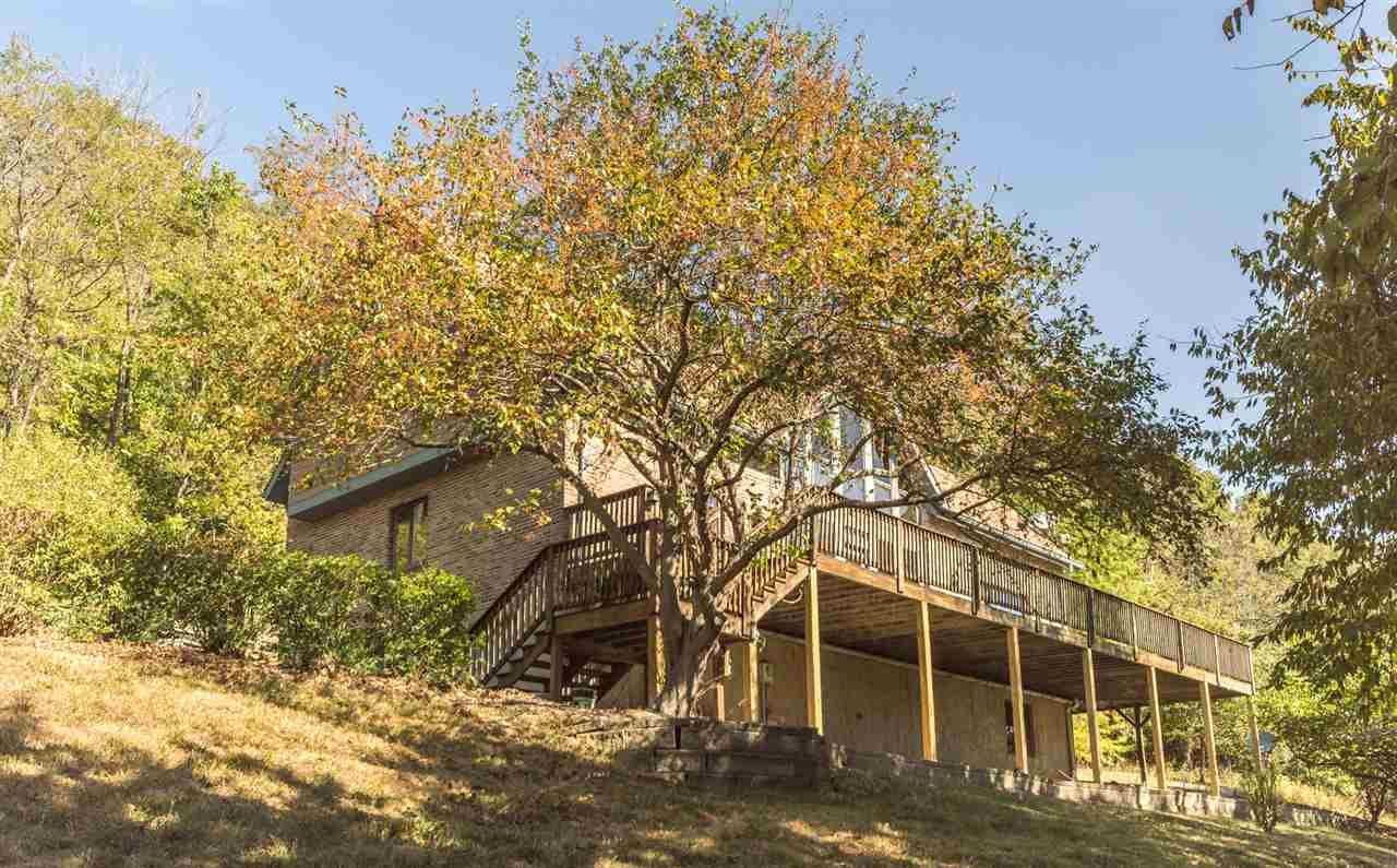 6450 Stone Creek Ln
