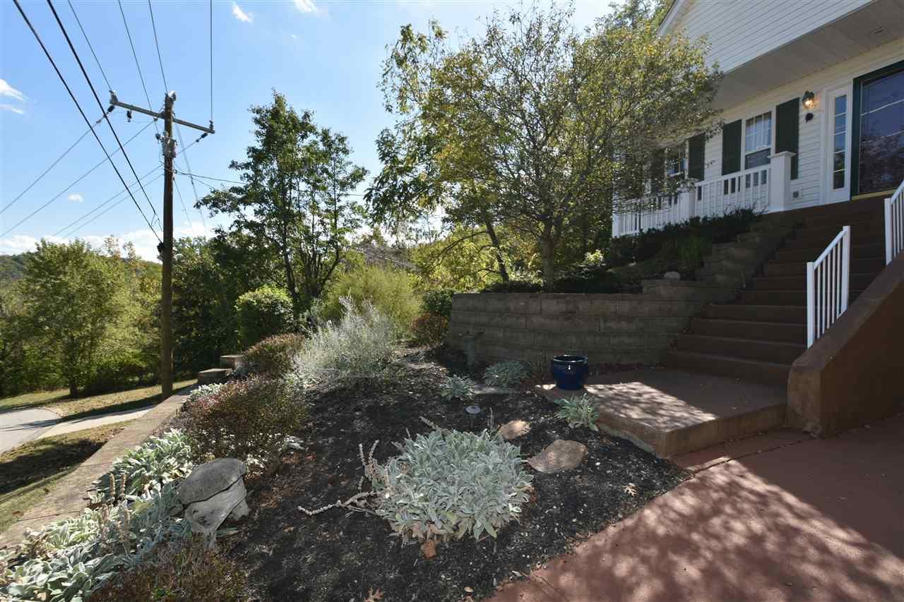Photo 3 for 675 Fair Oaks Ln Edgewood, KY 41017