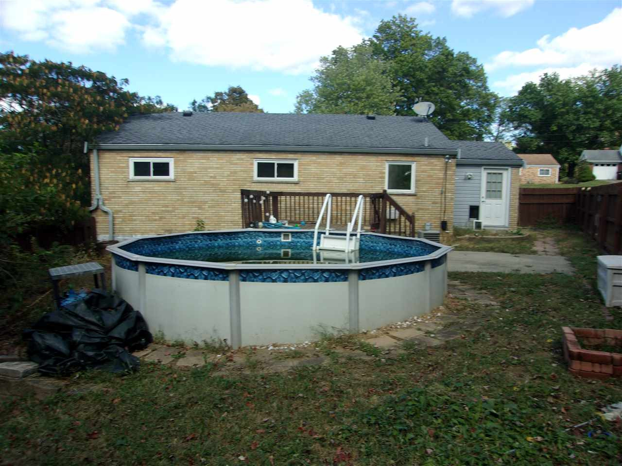 Photo 3 for 713 Saint Matthews Circle Taylor Mill, KY 41015