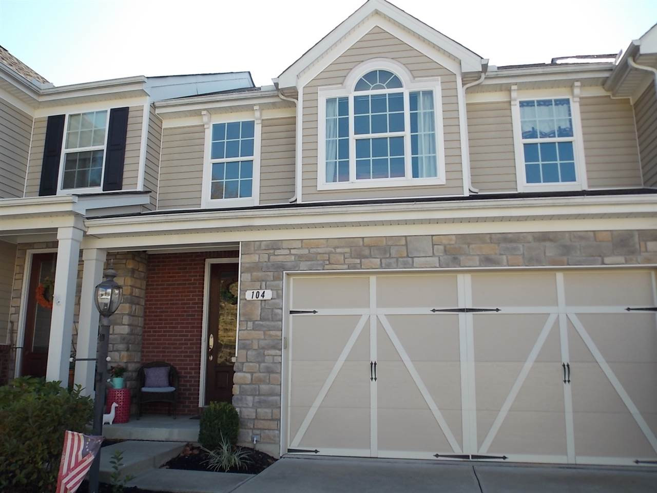 Photo 2 for 104 Plumrose Ln Fort Thomas, KY 41075
