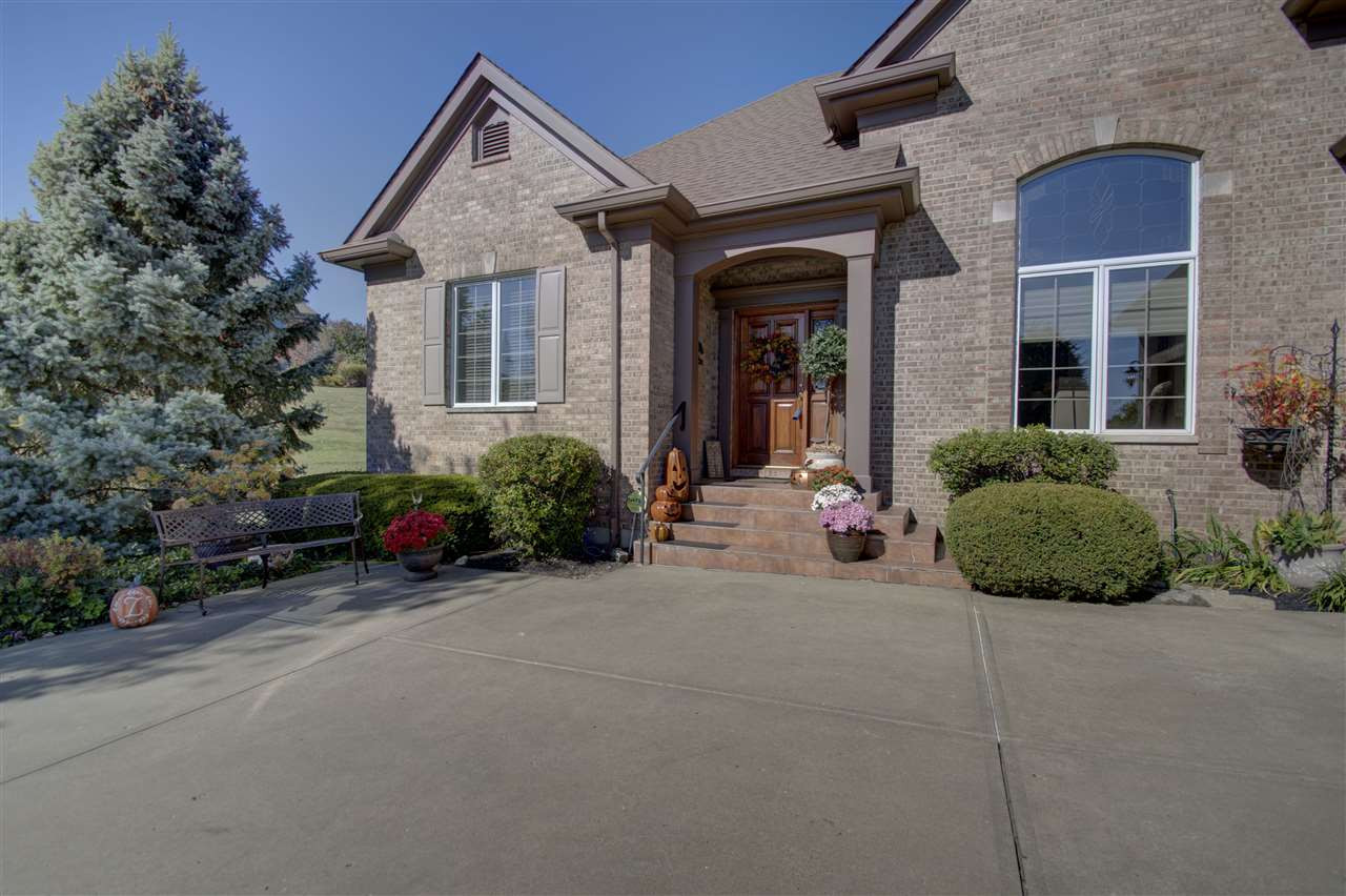 Photo 2 for 871 Willowdale Dr Villa Hills, KY 41017