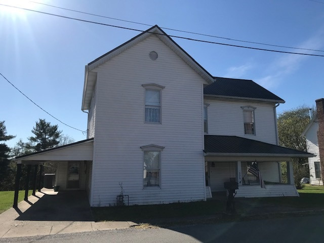 Photo 1 for 206 Garrett Ave Brooksville, KY 41004