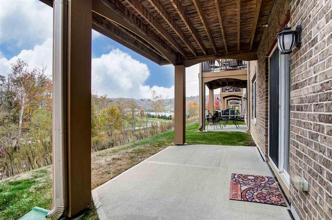 Photo 3 for 2405 Ambrato Way Covington, KY 41017