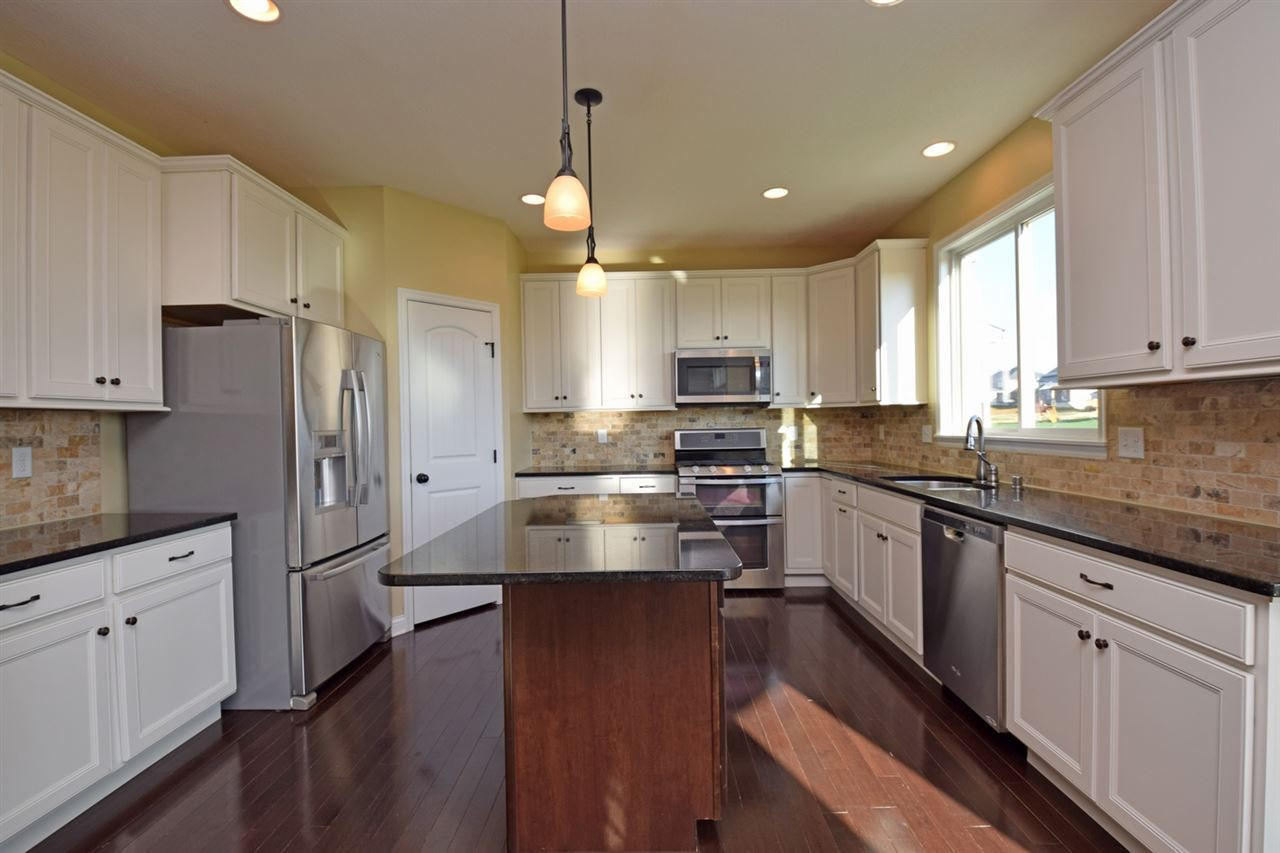 Photo 3 for 14012 Bridlegate Dr Union, KY 41091
