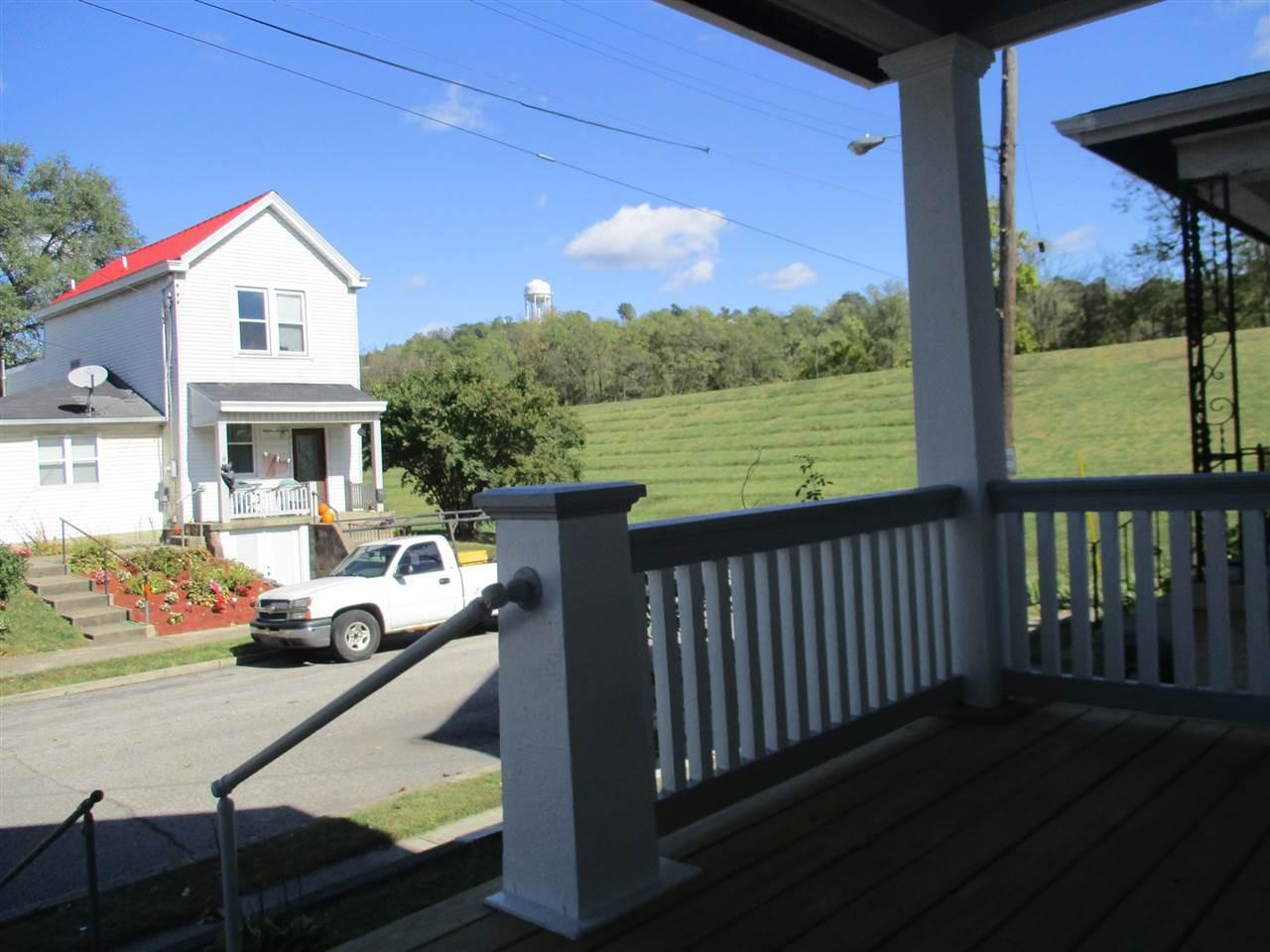 Photo 3 for 713 DELMAR Pl Covington, KY 41014