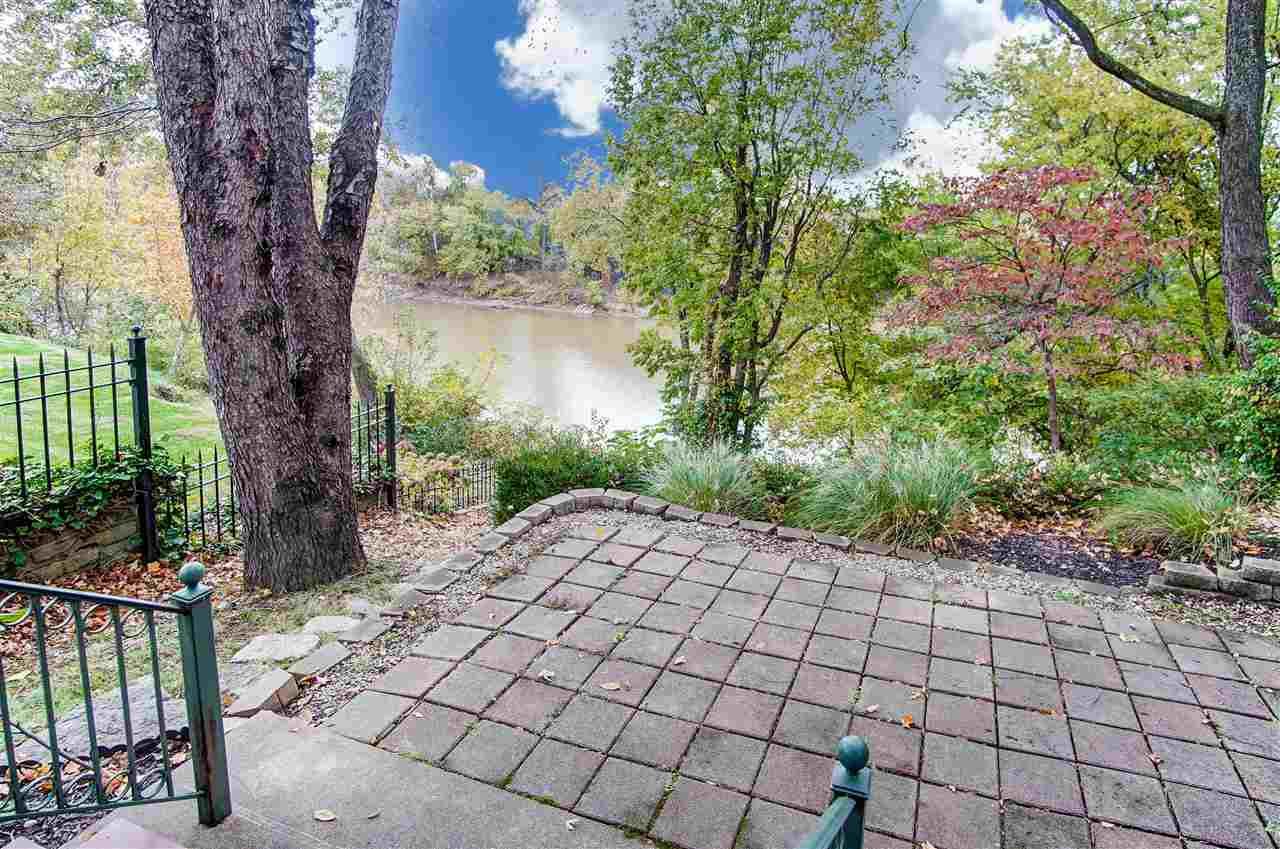 Photo 3 for 610 Garrard St Covington, KY 41011