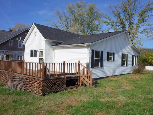 Photo 3 for 1698 Maple Pkwy Maysville, KY 41056
