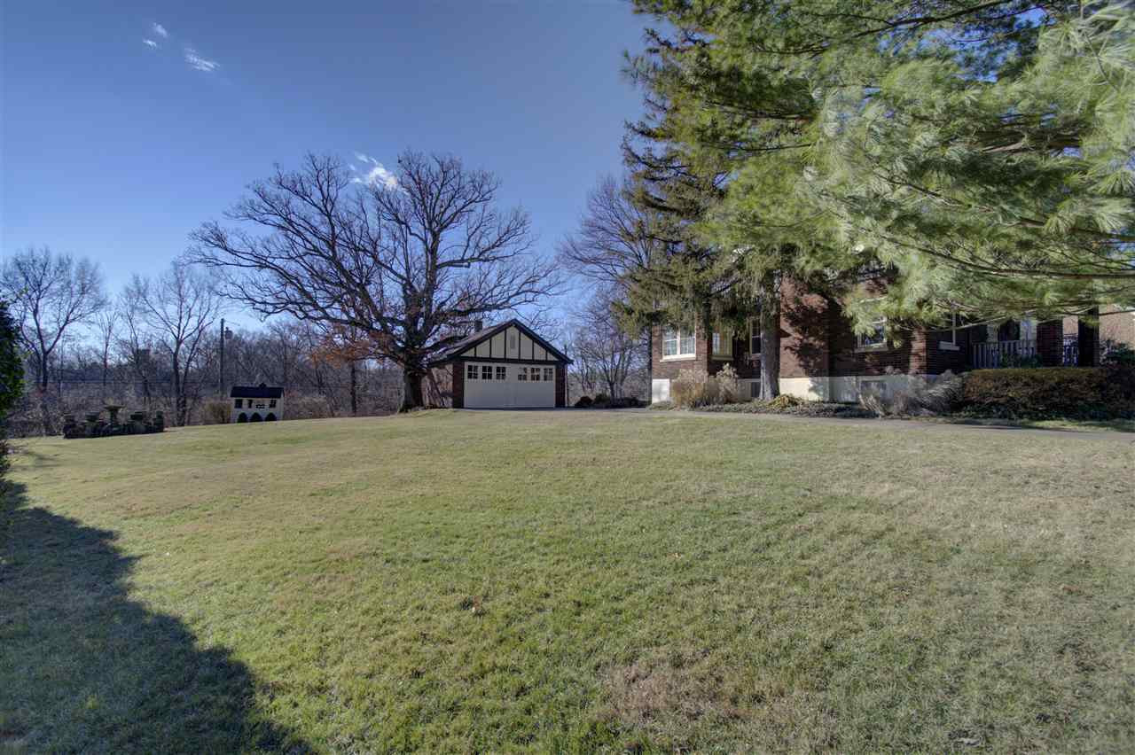 Photo 2 for 1417 E Henry Clay Ave Fort Wright, KY 41011