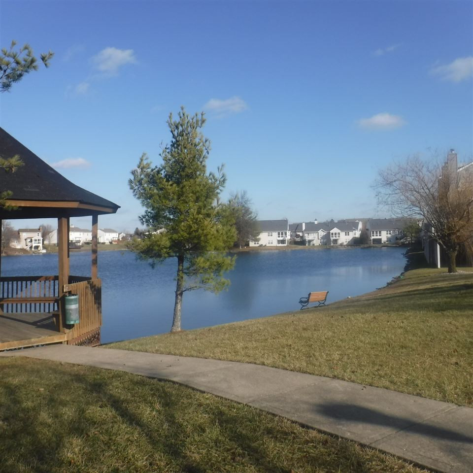 Photo 1 for 911 Dapple Grey Dr Florence, KY 41042