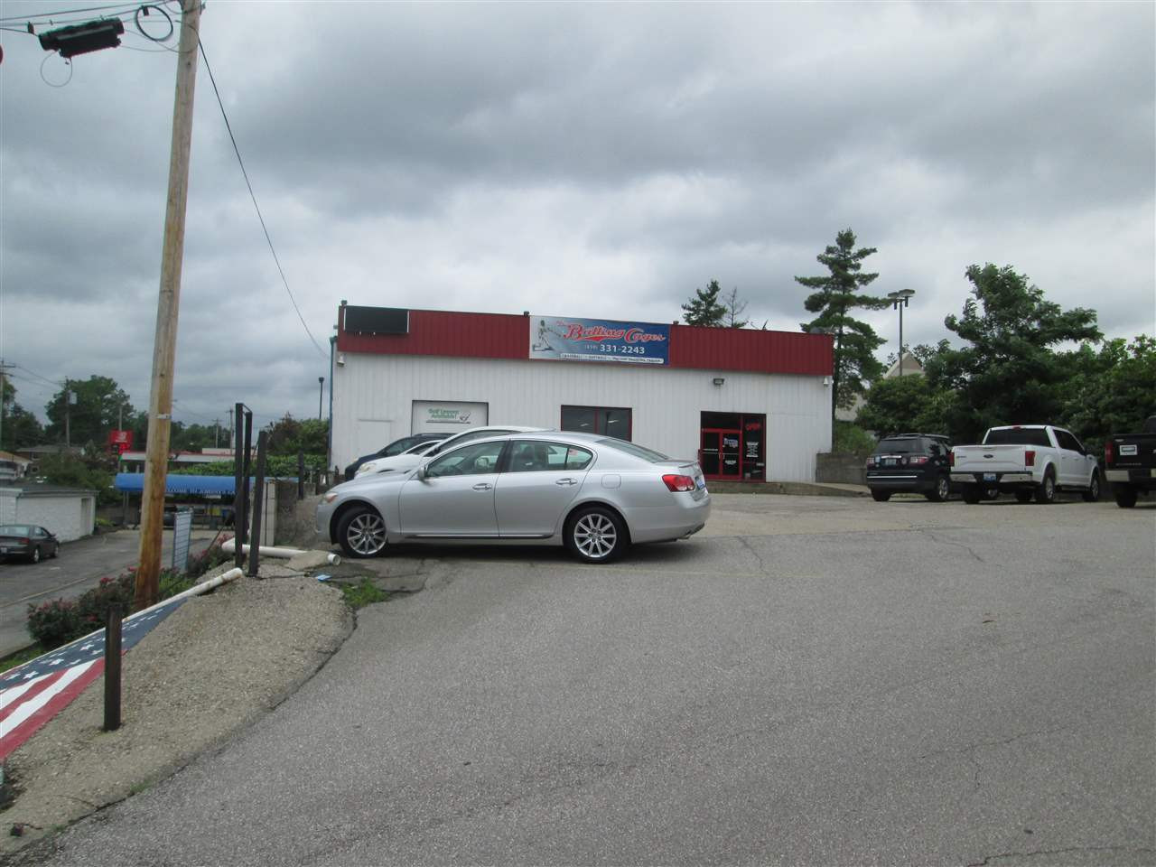 Photo 2 for 3152 1/2 Dixie Highway Erlanger, KY 41018