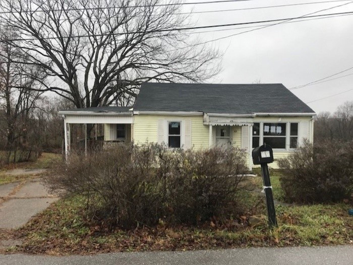 Photo 1 for 49 James St Williamstown, KY 41097