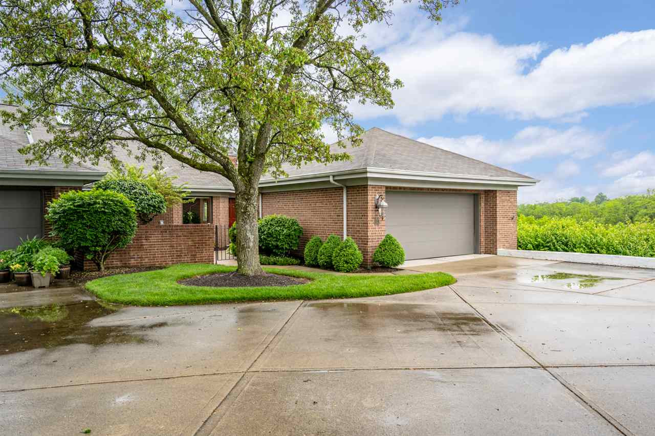 Photo 1 for 54 Fairway Dr Southgate, KY 41071