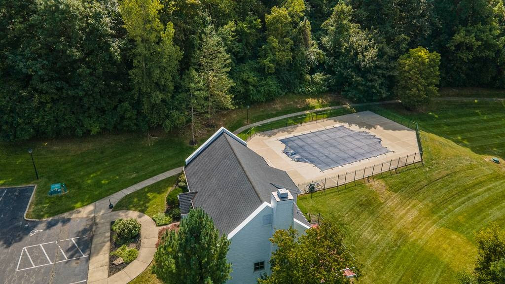 Photo 2 for 2126 Carrick Ct #102 Crescent Springs, KY 41017