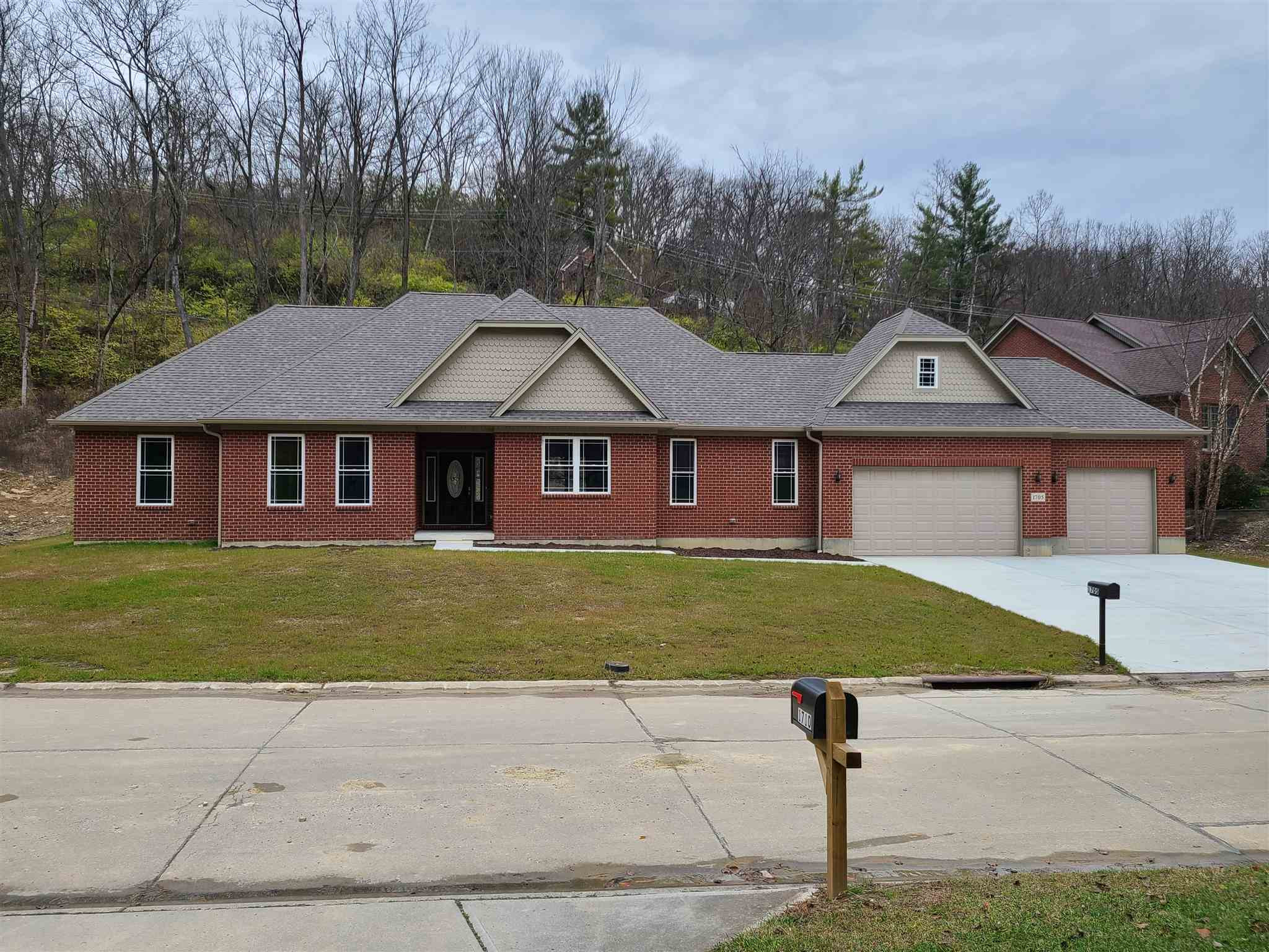 1705 Valley Drive Fort Wright, KY