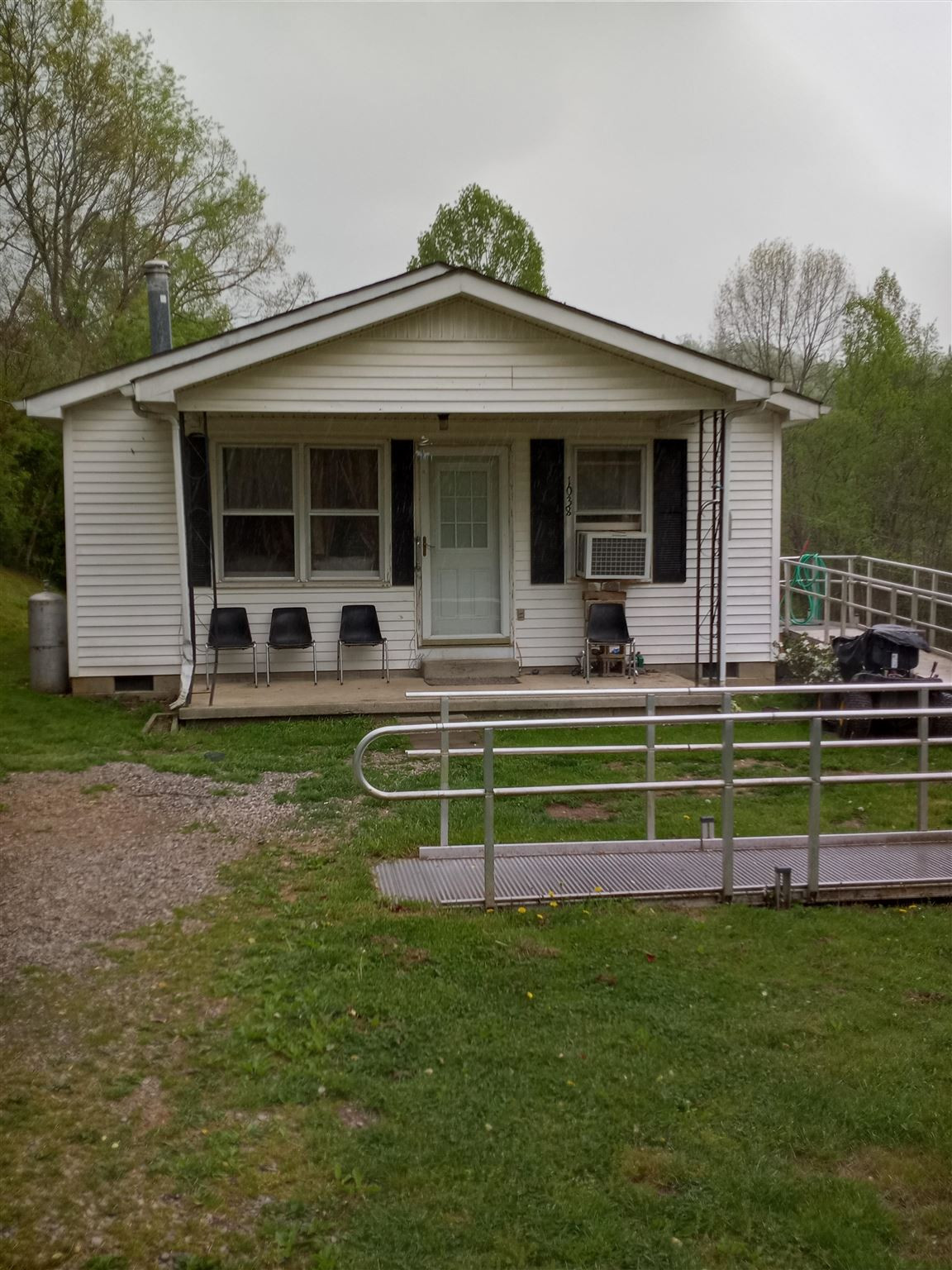 Photo 2 for 1038 Sand Hill Road Manchester, KY 40962