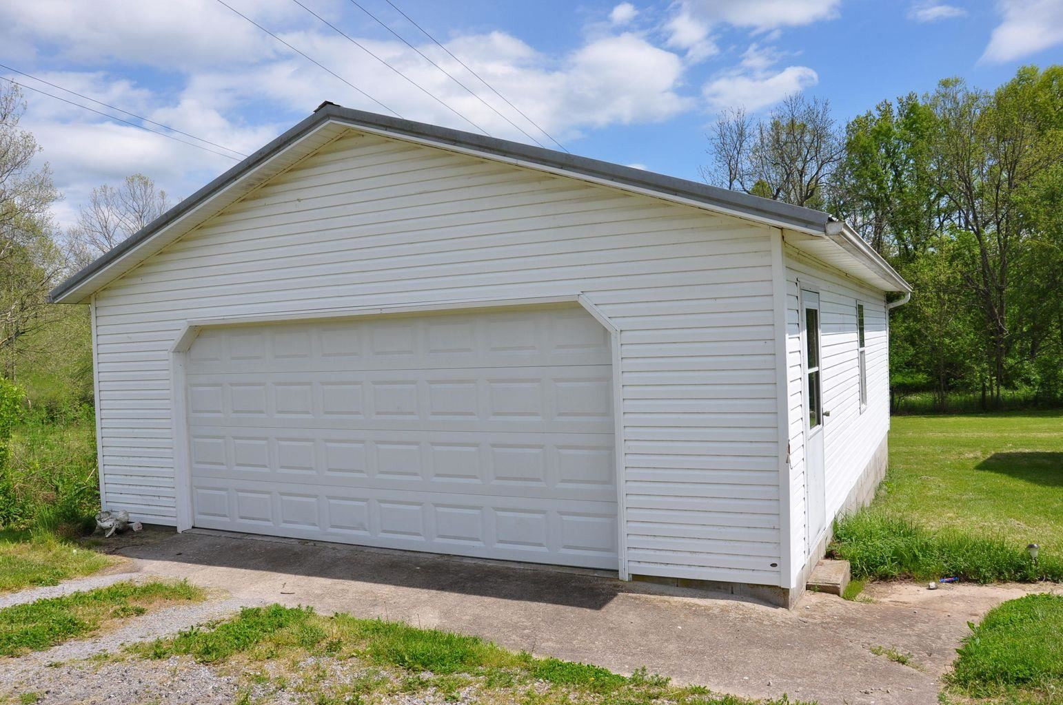 Photo 3 for 2812 Maysville Road Carlisle, KY 40311