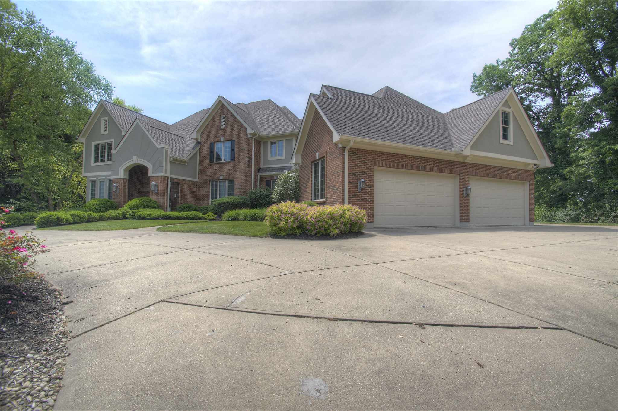 Photo 2 for 926 Riverwatch Drive Crescent Springs, KY 41017