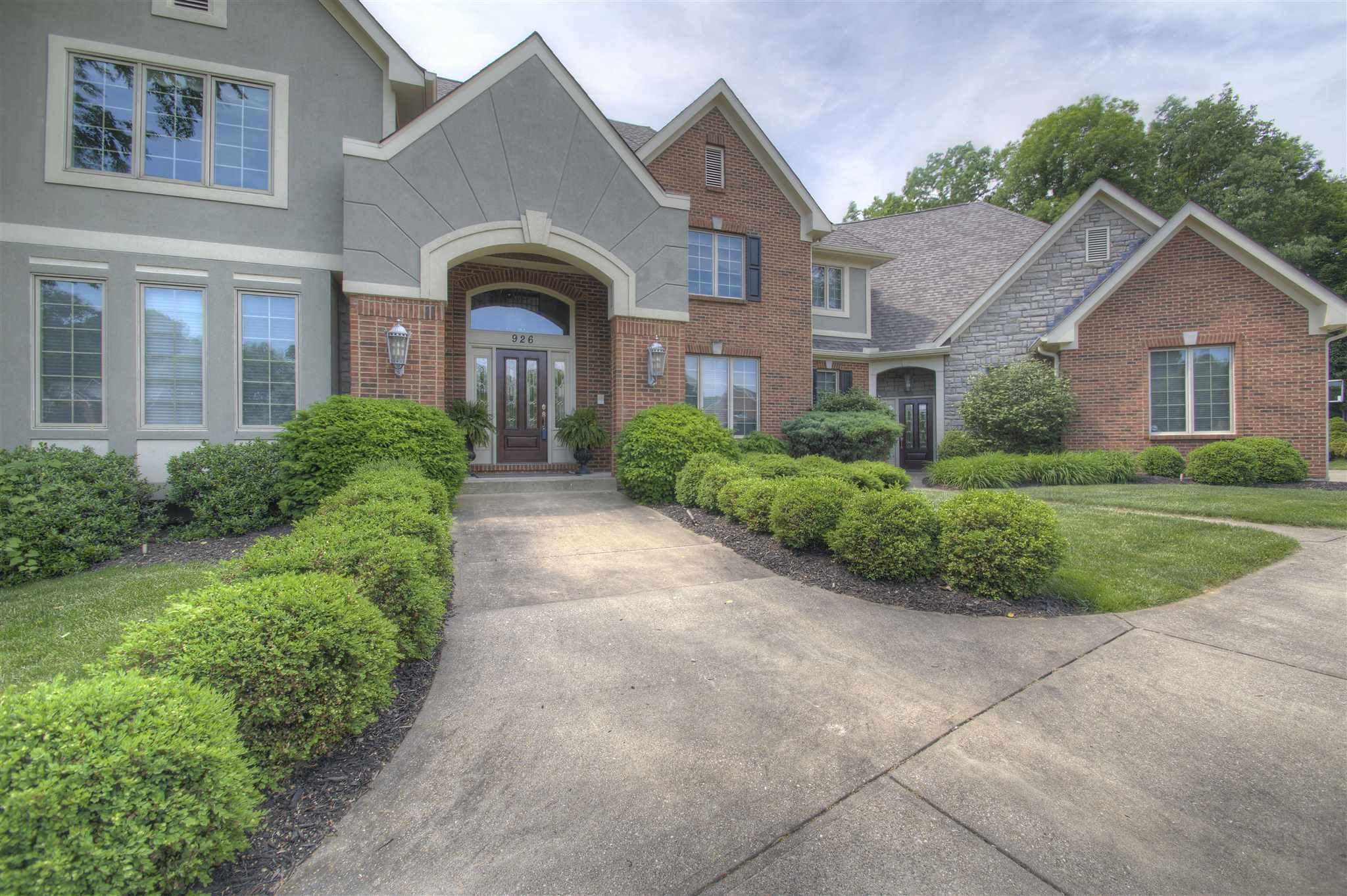 Photo 3 for 926 Riverwatch Drive Crescent Springs, KY 41017