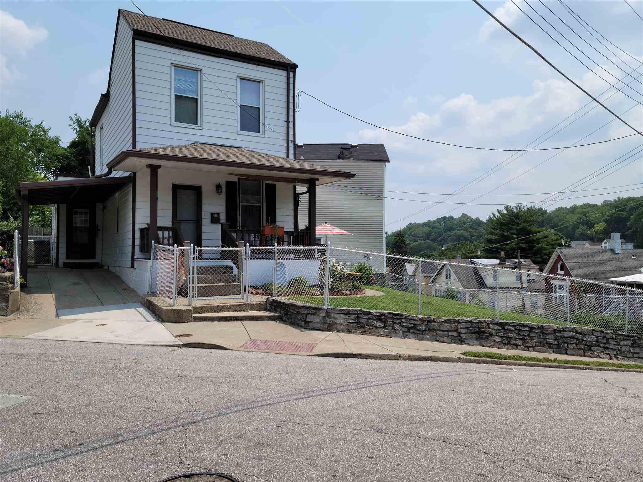 Photo 3 for 1306 Parkway Covington, KY 41016