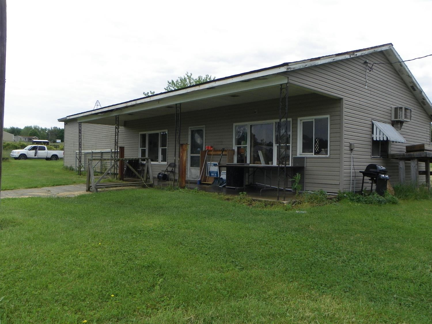 Photo 1 for 2814 W St Road 44 Liberty, IN 47353