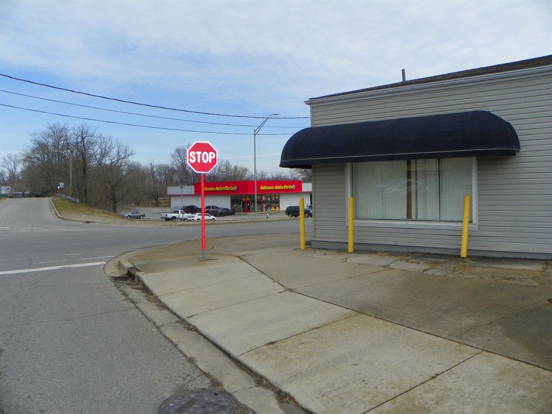 307 E 5th St Connersville, IN