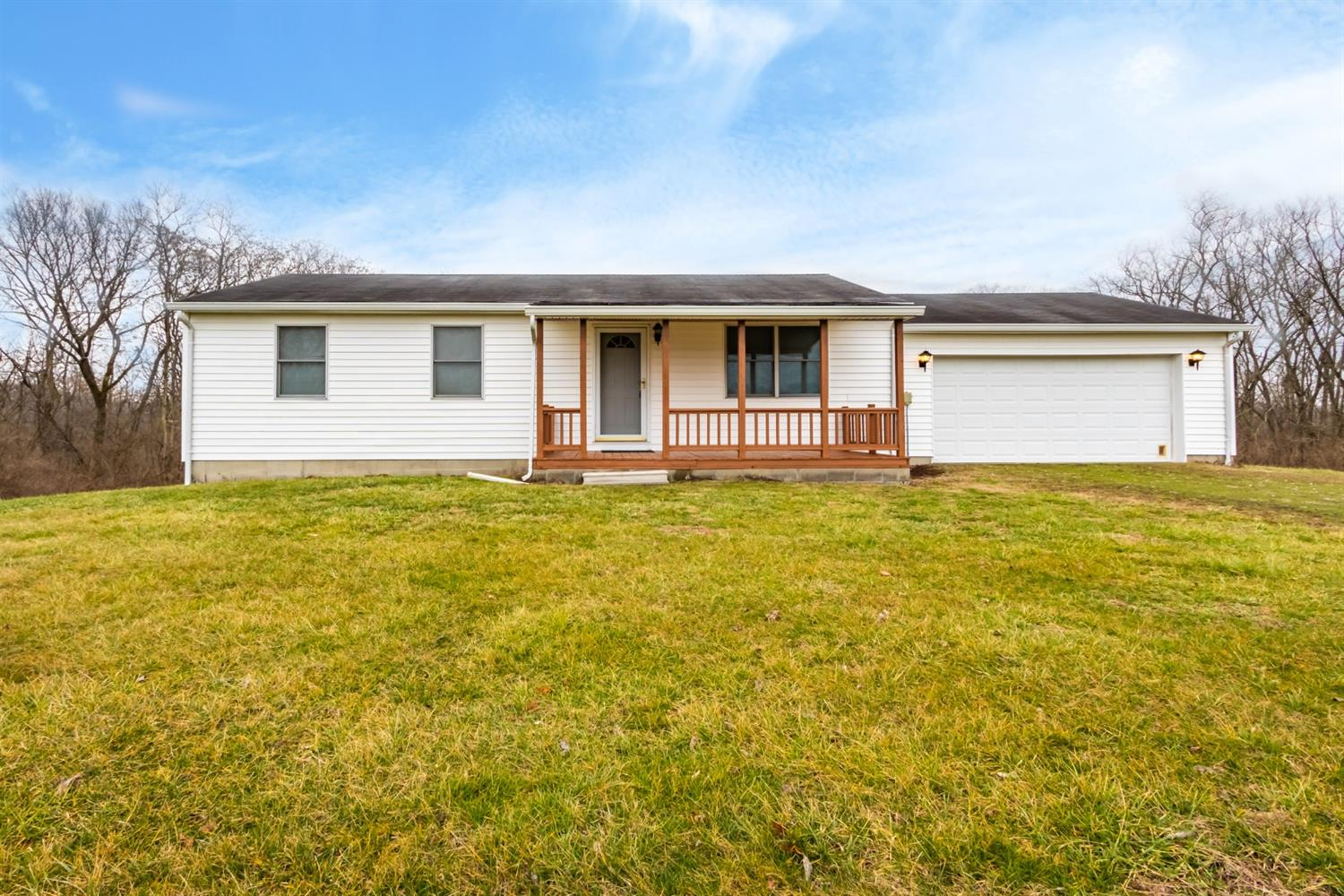 4827 Salem Ridge Rd Aurora, IN