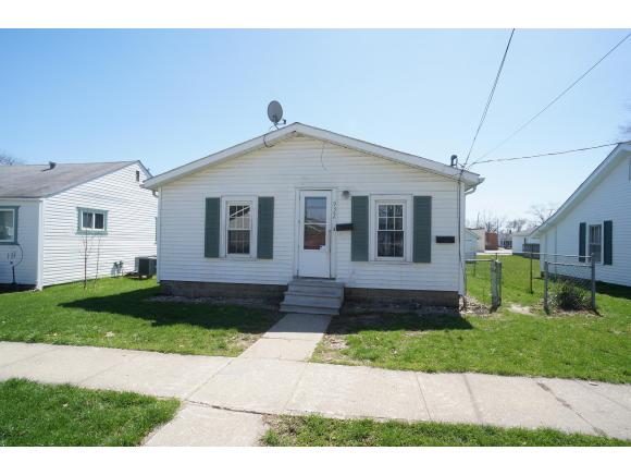 real estate photo 1 for 935 WASHINGTON ST GREENSBURG, IN 47240
