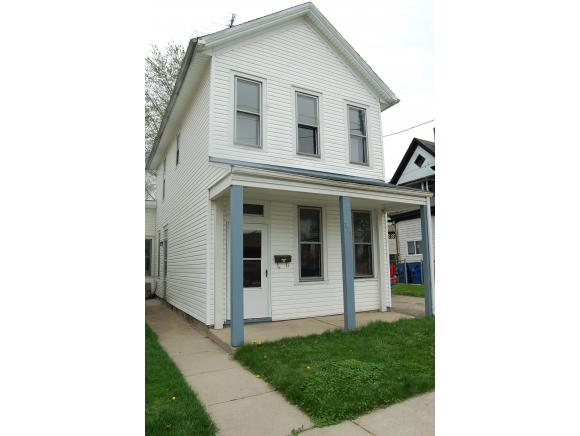 real estate photo 1 for 229 FRONT ST LAWRENCEBURG, IN 47025