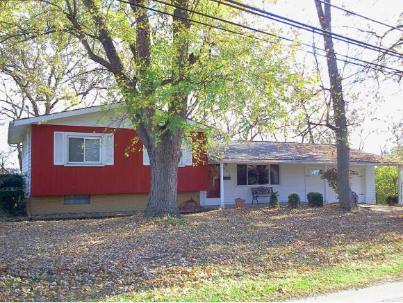 real estate photo 1 for 890 RIDGE AVE LAWRENCEBURG, IN 47025
