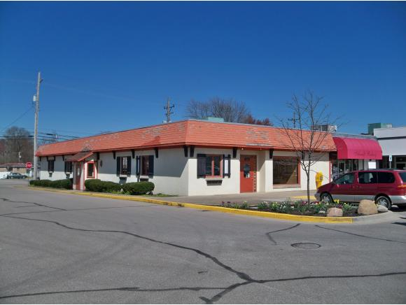 real estate photo 1 for 121 SHOPPING VILLAGE BATESVILLE, IN 47006