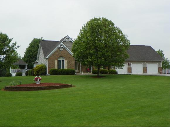 real estate photo 1 for 11151 BROOKVIEW CT BROOKVILLE, IN 47012