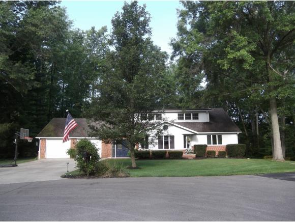 real estate photo 1 for 138 WOODLAWN DR BATESVILLE, IN 47006