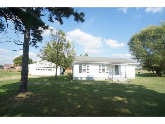 real estate photo 1 for 13265 BANK ST DILLSBORO, IN 47018