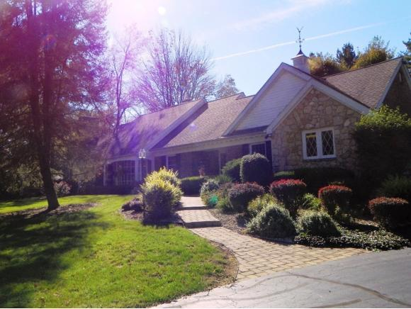 real estate photo 1 for 1259 W DUN GRAZIN DR CONNERSVILLE, IN 47331