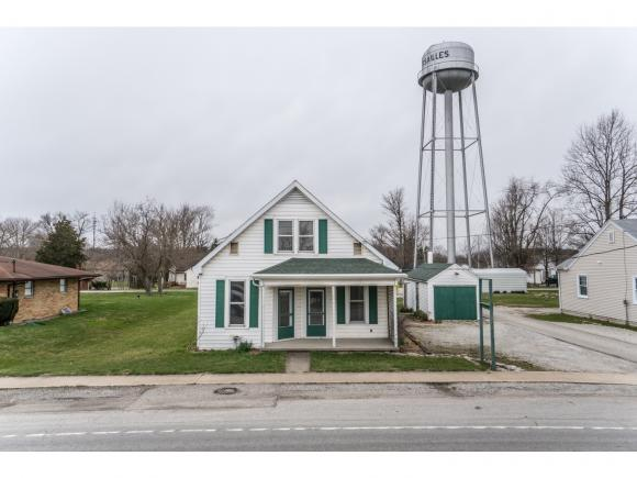 real estate photo 1 for 419 S ADAMS ST VERSAILLES, IN 47042