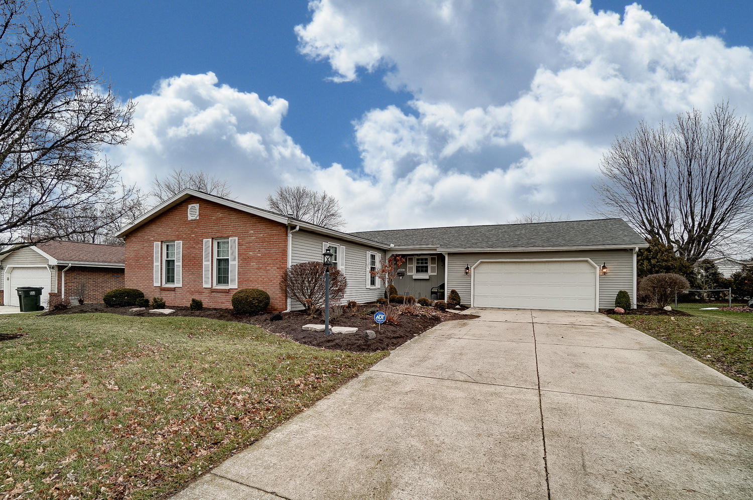 1744 Whitehall Dr Lima, OH