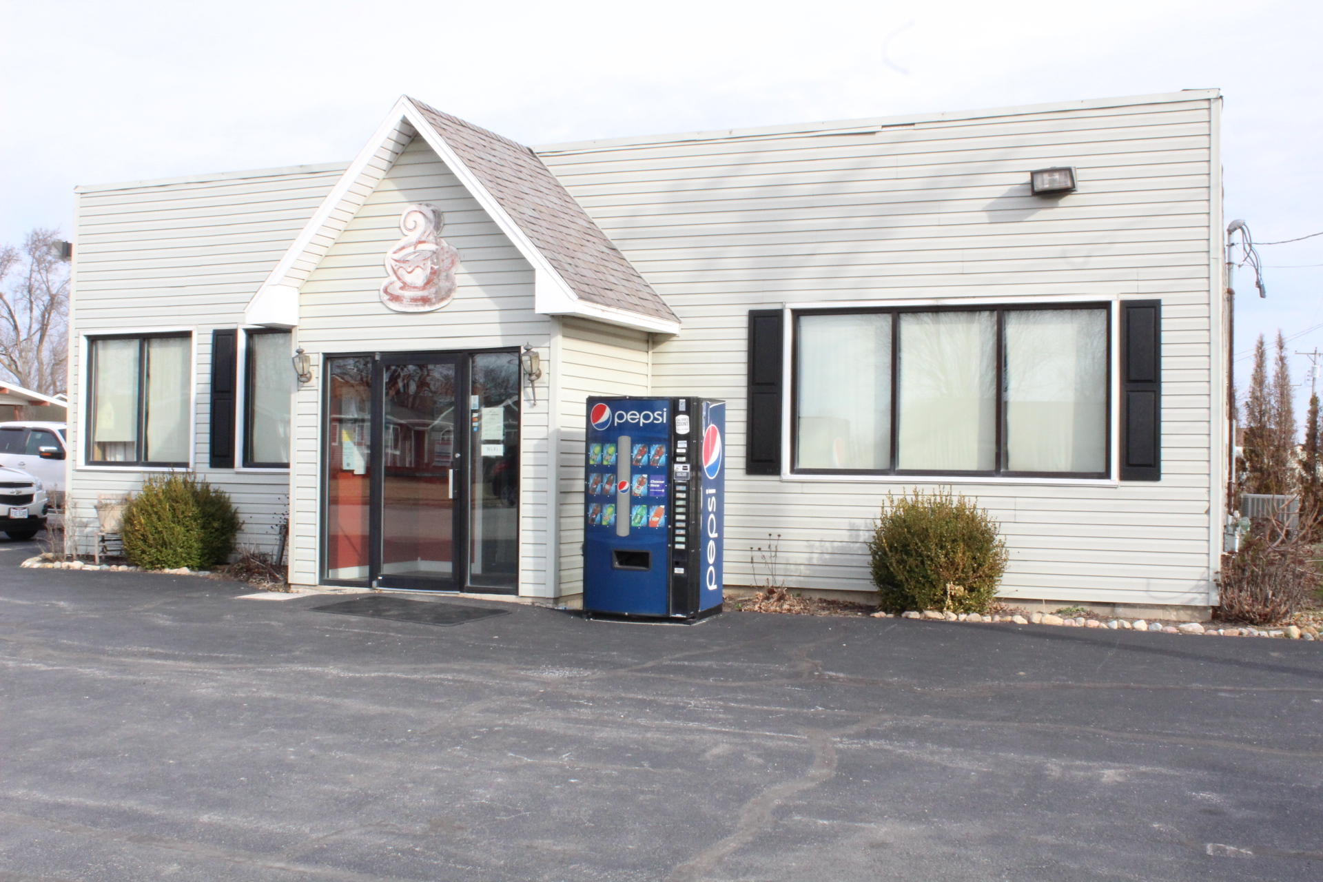 Photo 2 for 511 E Main St Saint Henry, OH 45883