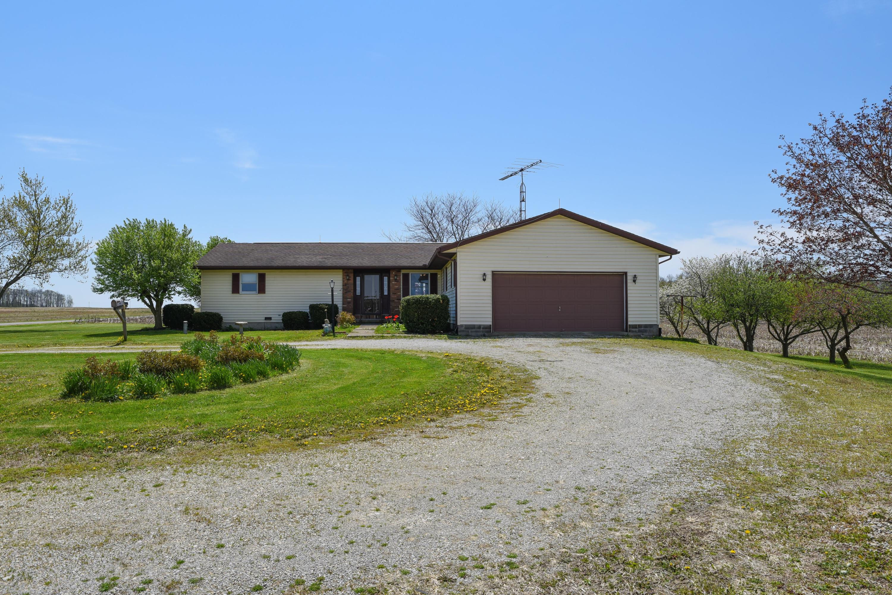 19333 Pasco Montra Rd Botkins, OH