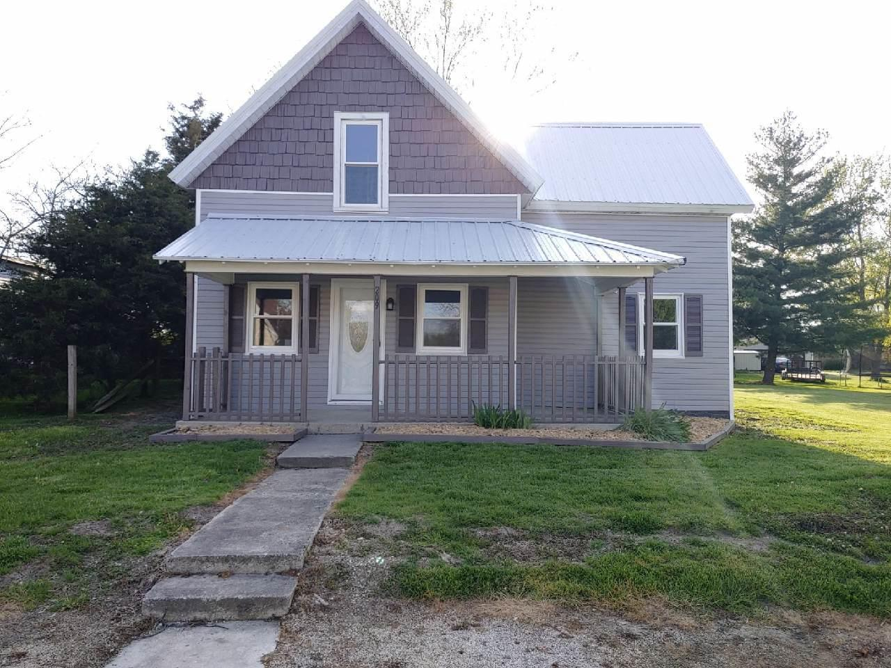 209 N GREEN St Mendon, OH