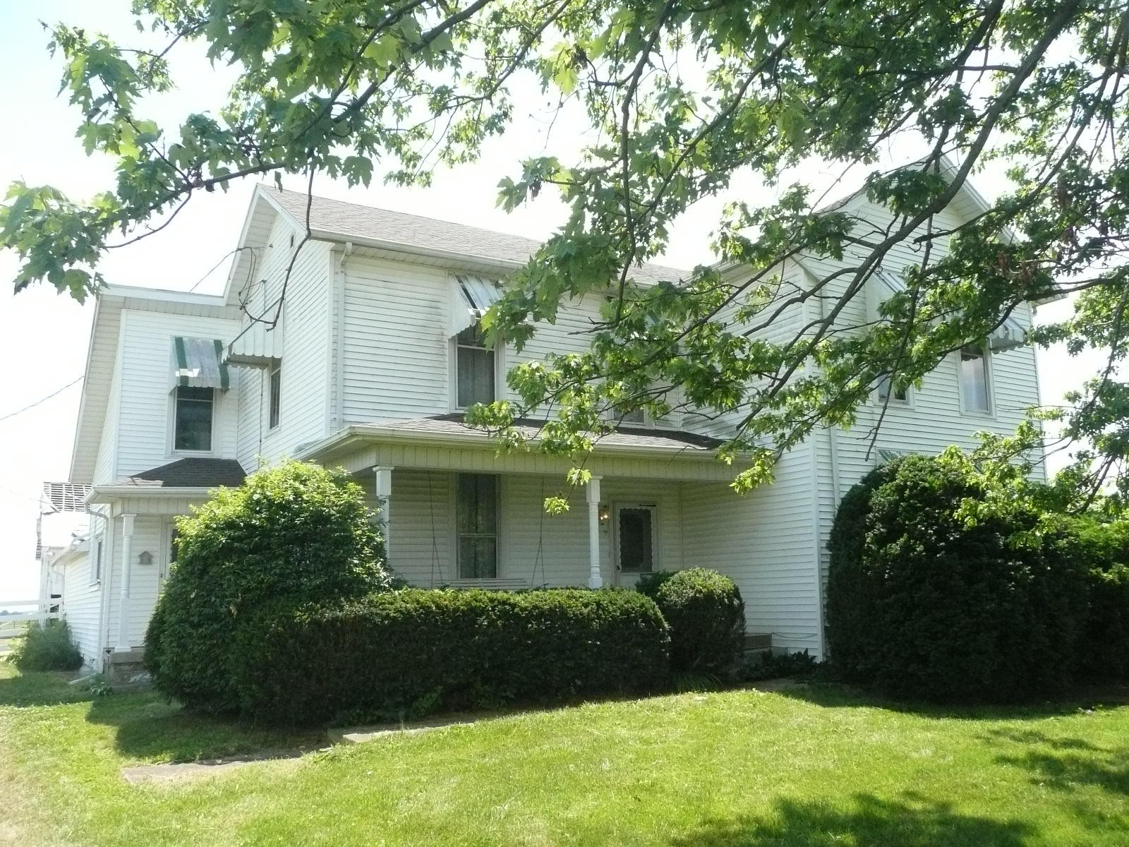 Photo 1 for 300 N County Road 25A Rd Piqua, OH 45356