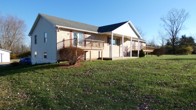 6765 Bethelville Dr New Carlisle, OH