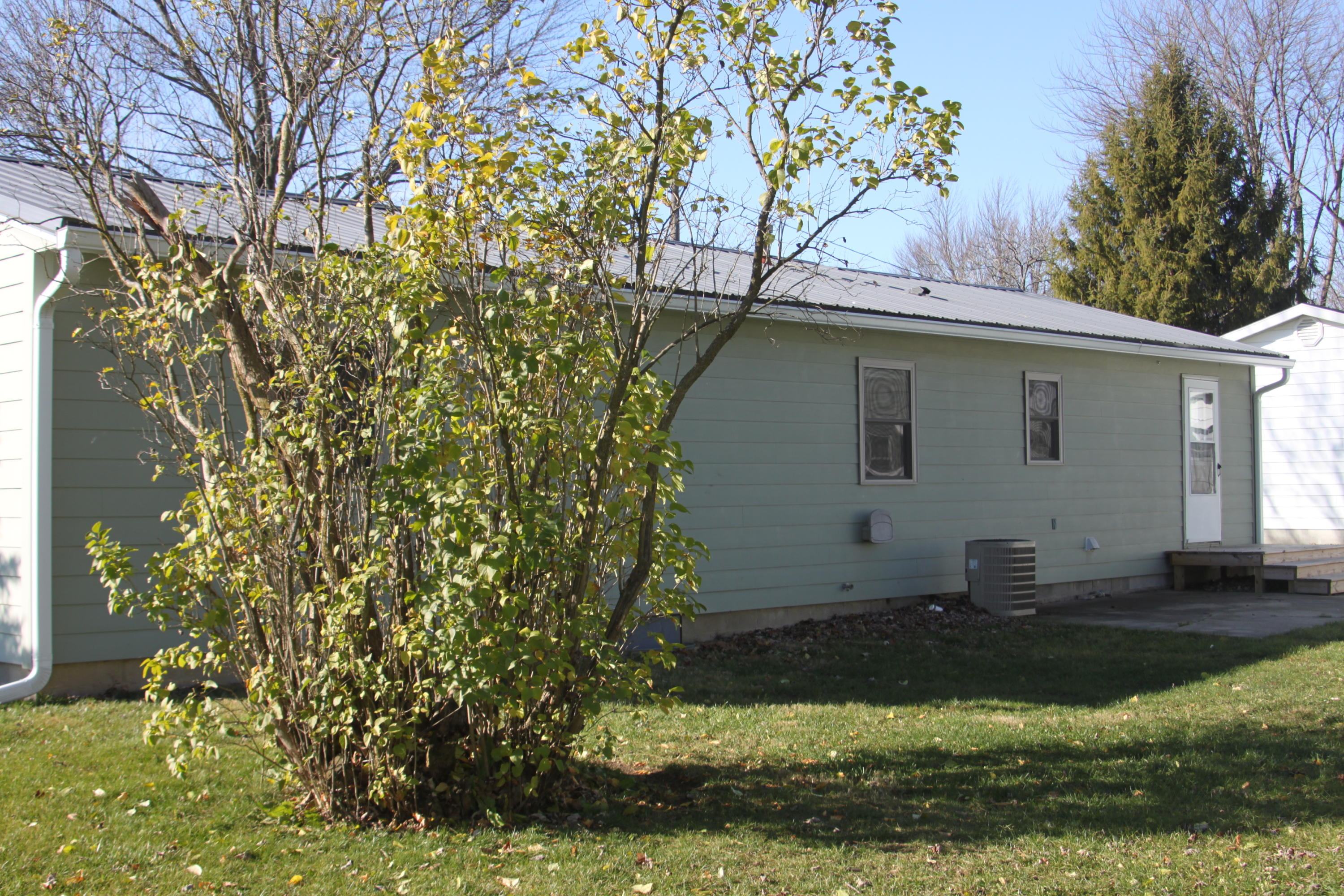 Photo 2 for 935 Daum St Kenton, OH 43326