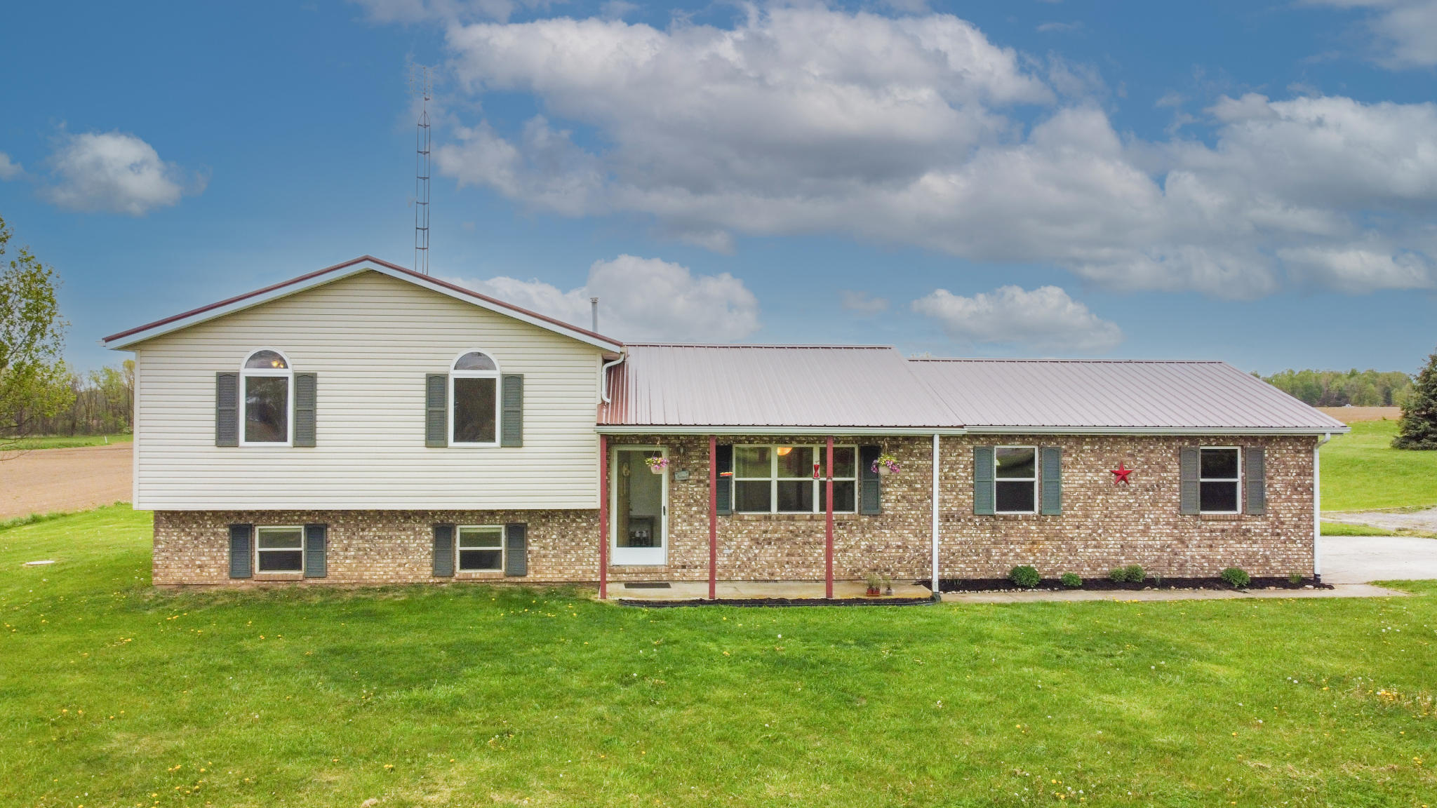 7904 County Road 26 West Mansfield, OH