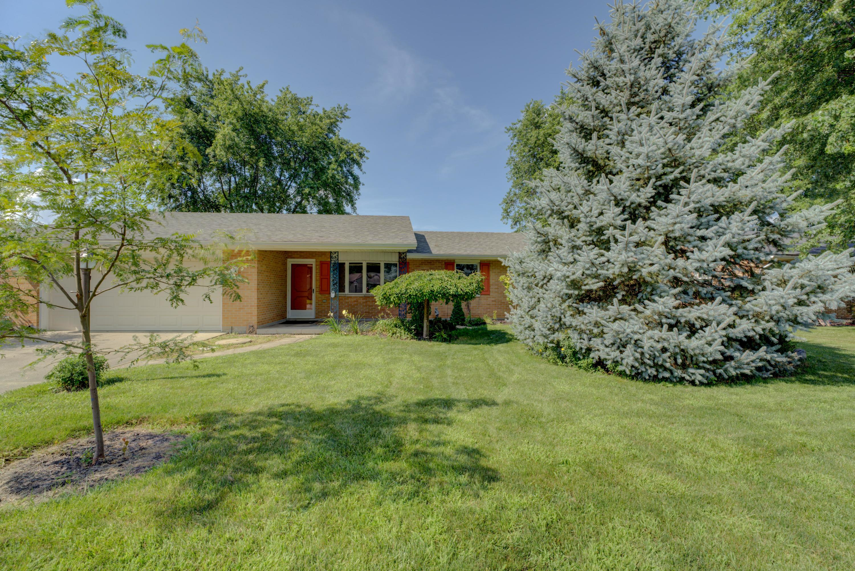 Photo 2 for 452 Medallion Dr Greenville, OH 45331