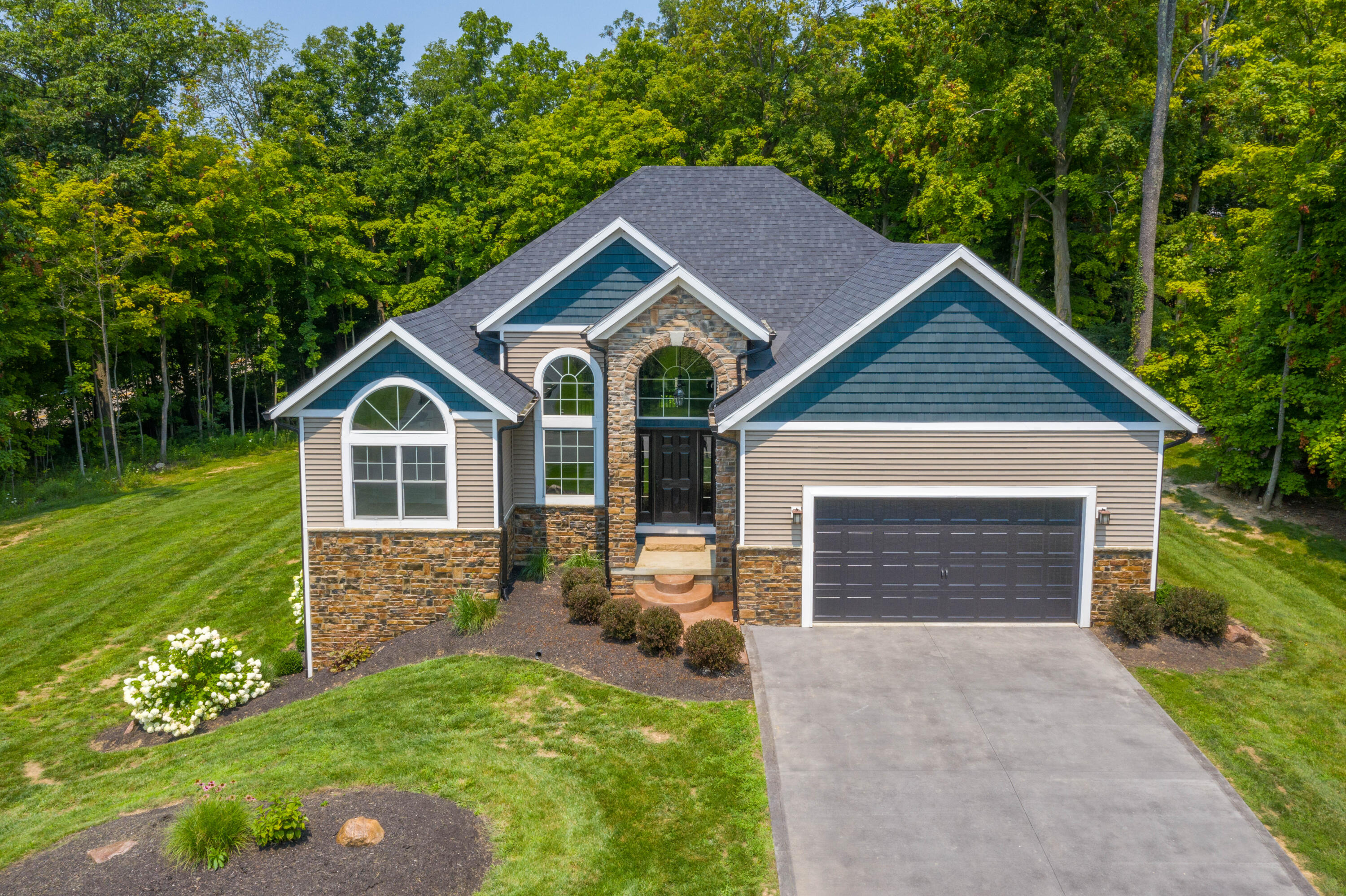 946 Timber Trail Dr Urbana, OH