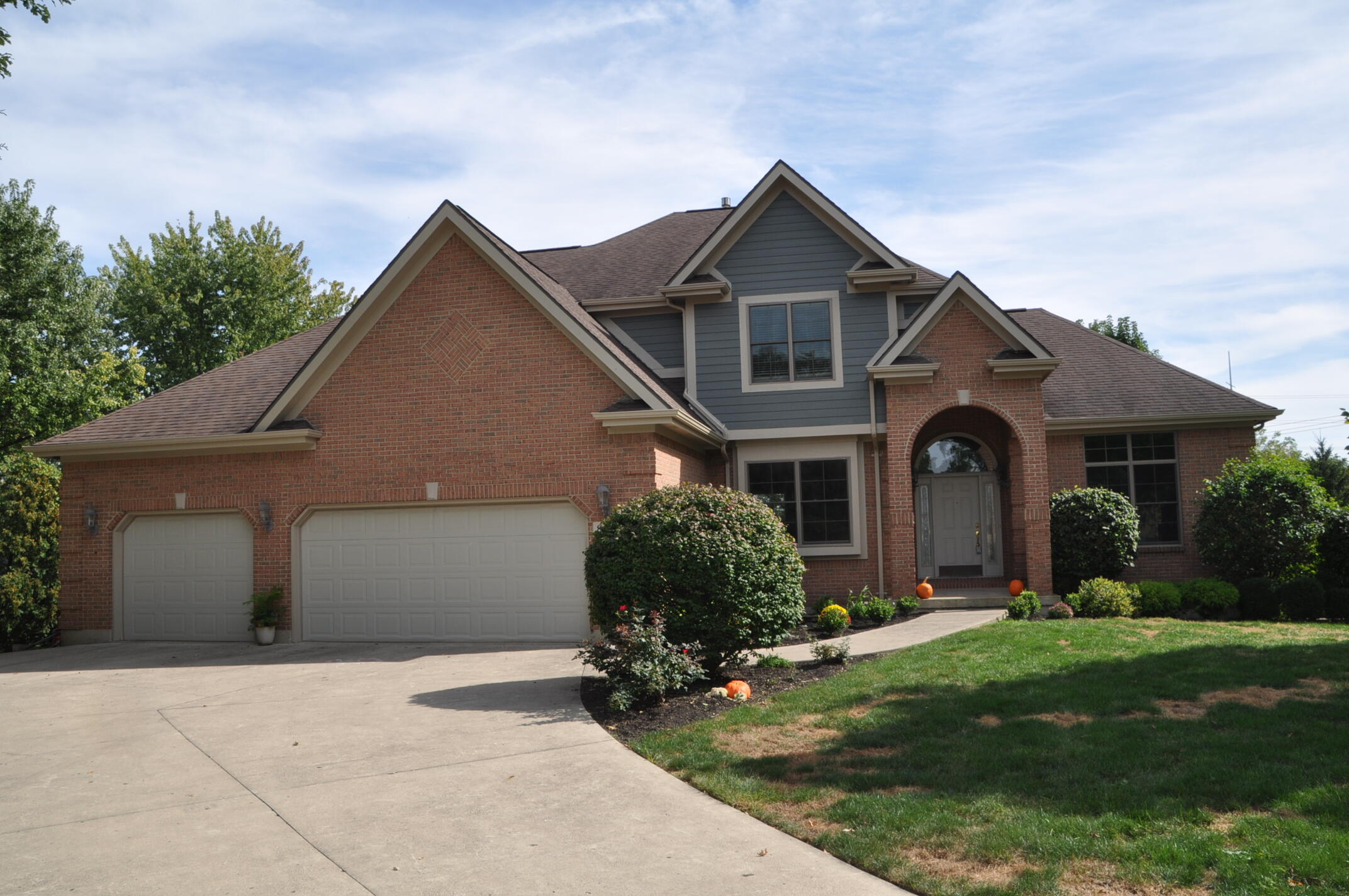 Photo 1 for 890 Hickory Hill Dr Tipp City, OH 45371