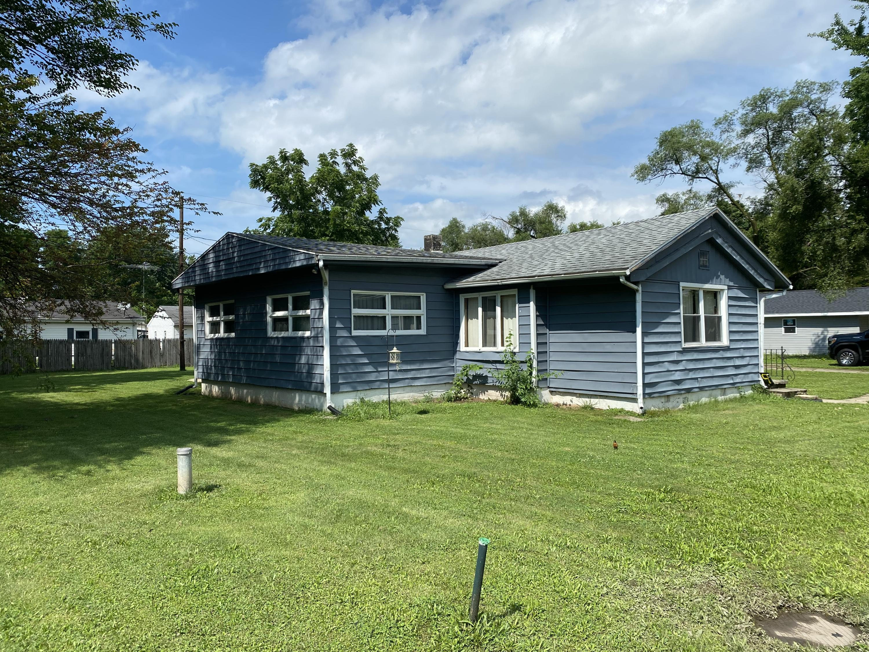 Photo 1 for 56 Dogwood Rd Medway, OH 45341