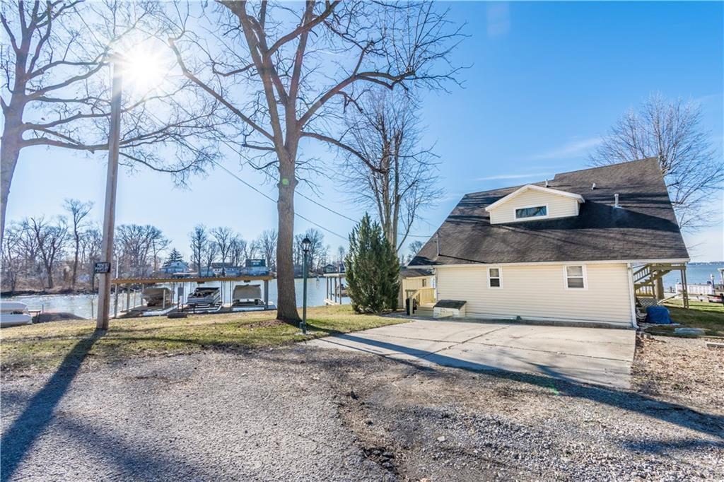 11177 Fairview Lakeview, OH