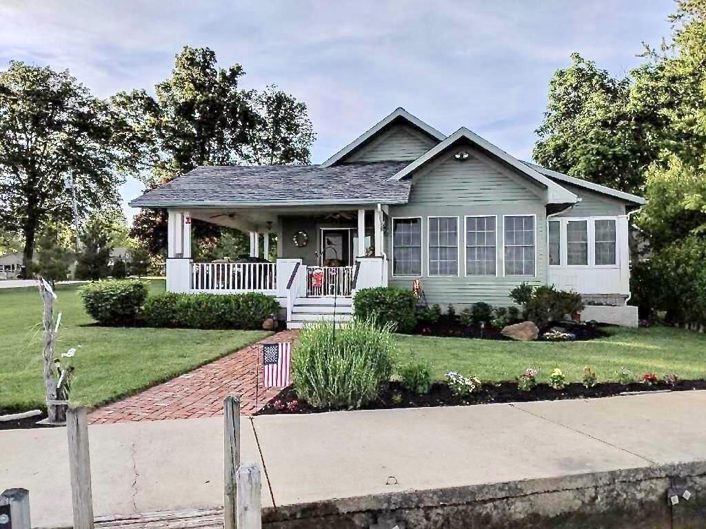 14032 WOLL St Lakeview, OH