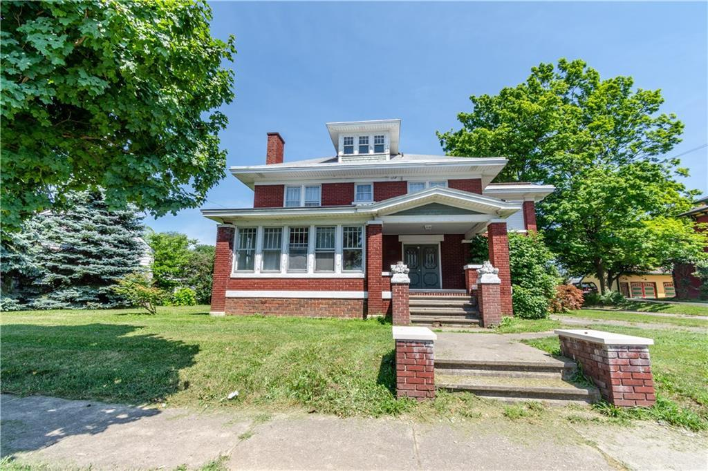 726 N Main St Bellefontaine, OH